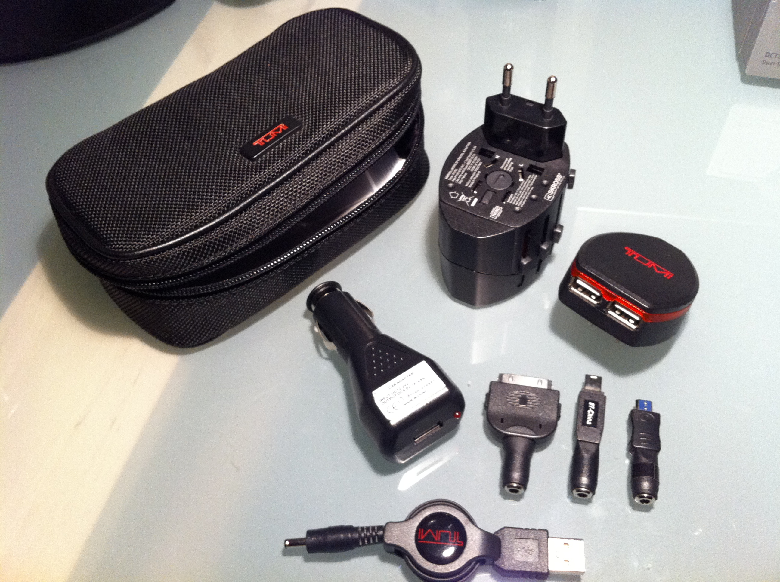 New In Case Tumi Usb Cellphone Charger And Travel Power